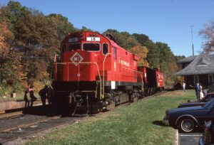 Morristown and Erie | Whippany, New Jersey | Alco C424  #18 | Caboose | Hopper |Whippany Station | October 1985